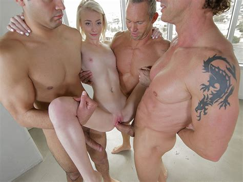 Youthfull Maddys Very First Gang Bang Teenpornvideoxxx