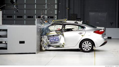 crash test si鑒e auto car crash sports car crash test