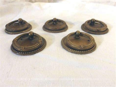 lot de 5 anciens boutons de tiroir 224 anneaux le grenier de lisette