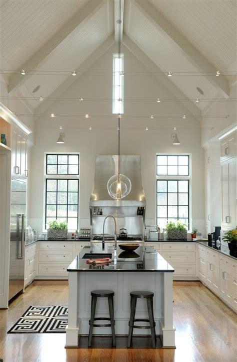 lights for vaulted ceilings kitchen 45 id 233 es en photos pour bien choisir un 238 lot de cuisine 9027