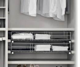 Ausziehbare Körbe Kleiderschrank : inneneinrichtung f r kleiderschr nke von novamobili ~ Fotosdekora.club Haus und Dekorationen