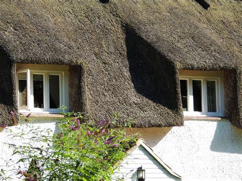 Reetdach Dacheindeckung Mit Natuerlichem Baumaterial by Reetdachhaus Bauen 187 Ein Ratgeber