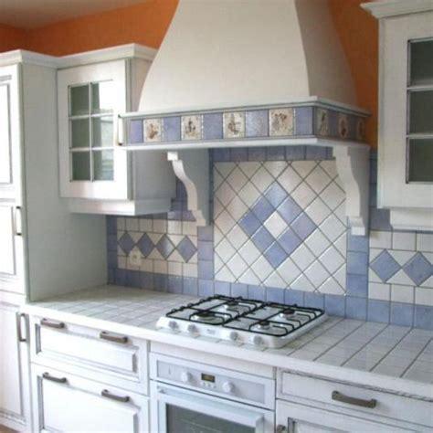 carreler une cuisine installation de cuisines provençale rouillac charente 16
