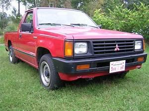 Gabriel1983 1988 Mitsubishi Mighty Max Macro Cab Specs