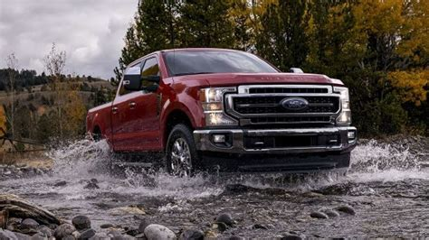 top  ford  series super duty debuts  monster