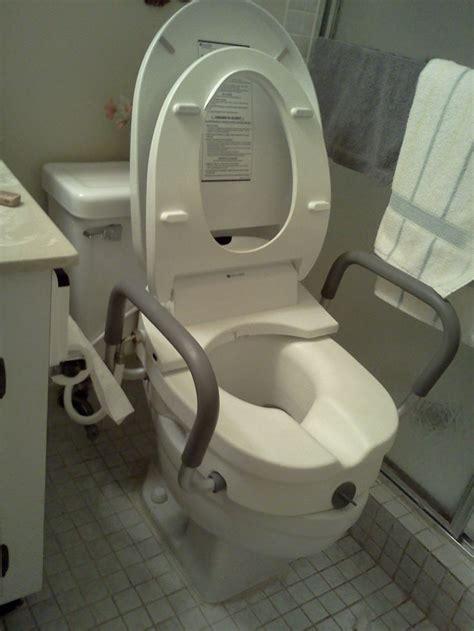 Bedays In Bathrooms by Best 25 Handicap Toilet Ideas On Handicap