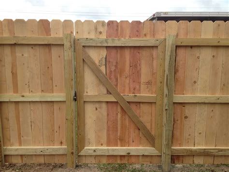 Fence - Gate : Wood Fences-frank Breaux Construction