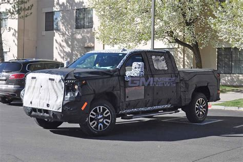 Gmc Typhoon 2020 by 2020 Gmc Denali 2500 Hd Crew Cab Spied For The