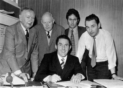 Dave Mackay signs for the Rams | Derby county, Football ...