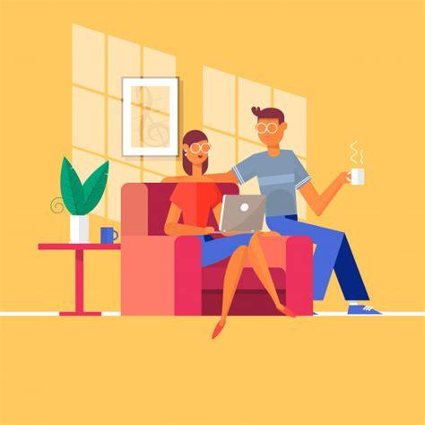 sur le canapé ou dans le canapé de détente sur le canapé avec ordinateur