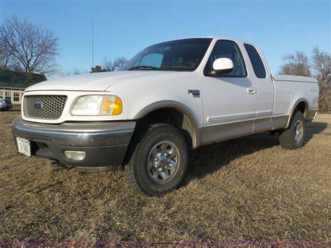 ford  xlt  supercab pickup truck item