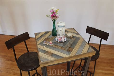 pallet kitchen table kitchen table made of barn wood and pallets 101 pallets