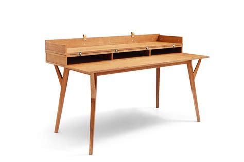 le de bureau bois bureau design scandinave en bois et convertible emme