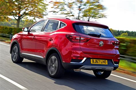 renault suv 2017 mg zs suv review gallery 2017 carbuyer