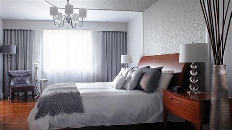 tapisserie chambre à coucher adulte le papier peint métallique déco