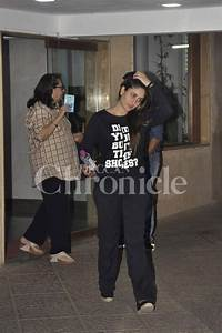 Kareena Kapoor spotted visiting a friend with mommy Babita