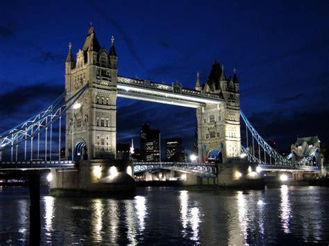 tower bridge bilder tower bridge bei nacht piqs de bilddatenbank