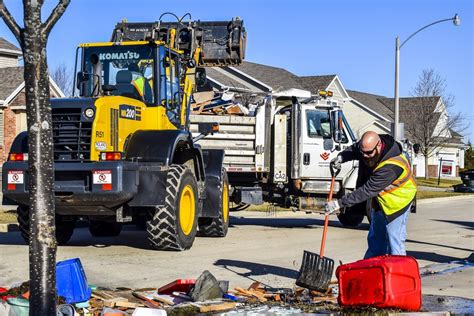 Bloomington Adds Smart Technology To Garbage Trucks | WGLT