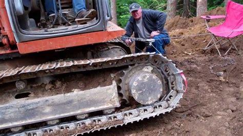 excavator  thrown  track youtube
