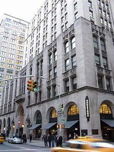 new york building 51 avenue between 26th and