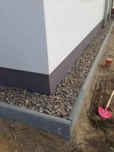 Steine Ums Haus : teile dies mit freunden herstellung eines spritzschutzstreifen aus kies der kiesstreifen soll ~ Buech-reservation.com Haus und Dekorationen