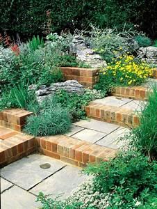 Treppe Bauen Garten : backstein naturstein treppe selber bauen im garten moderne ~ Lizthompson.info Haus und Dekorationen