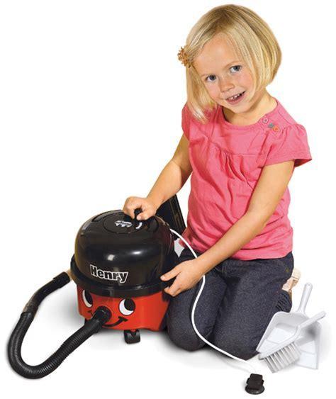 Casdon's Little Henry Vacuum Cleaner   Toy Henry Hoover