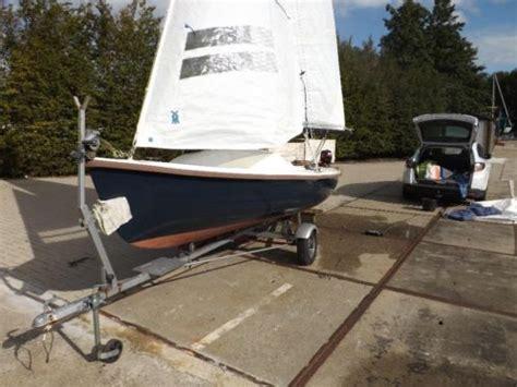 Varuna Zeilboot by Leuke Varuna 501 Met Trailer En Buitenboordmotor