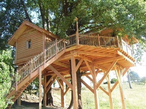 chambres dans les arbres cabane dans les arbres à fichous riumayou pyrénées
