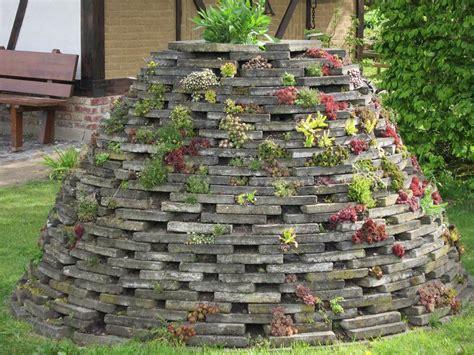 Steine Als Nisthilfen  Steingarten  Fences Pinterest