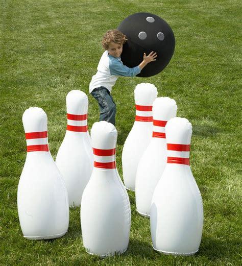 Backyard Bowling Set by Outdoor Bowling