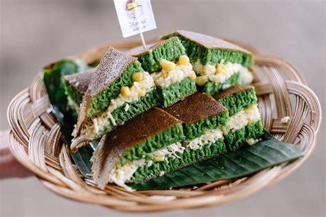 Sdikit pwrna hijau (bs pk pasta pandan). MARTABAK WARISAN T.B. SIMATUPANG JAKARTA - eatandtreats - Indonesian Food and Travel Blogger ...