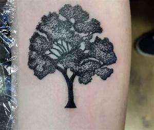 Tattoo Ideen Familie : baum tattoo seine bedeutung und 40 tolle design ideen ~ Frokenaadalensverden.com Haus und Dekorationen