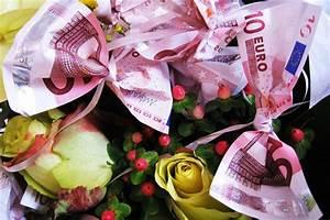 Geldgeschenke Zur Hochzeit Schön Verpackt : geldgeschenke zu taufe welcher betrag verpackung tipps anleitung ~ Frokenaadalensverden.com Haus und Dekorationen