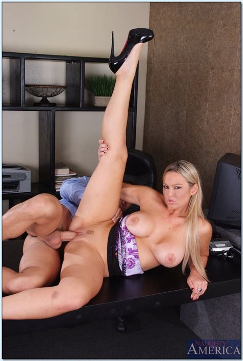blonde milf abbey brooks spreads her gentle legs for an awesome fuck