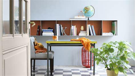 cr r un bureau d ude créez une décoration rêveuse avec des murs bleus apaisants