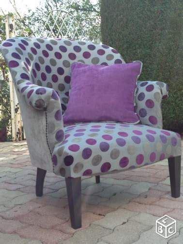 canapé leboncoin 1000 idées sur le thème chaise violet sur