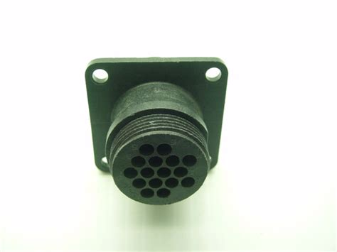 Tyco Amp 206036-1 16 Pin Male Square Flange Connector