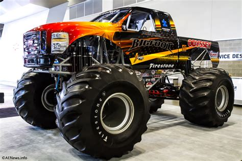 videos de monster trucks the bigfoot electric monster truck