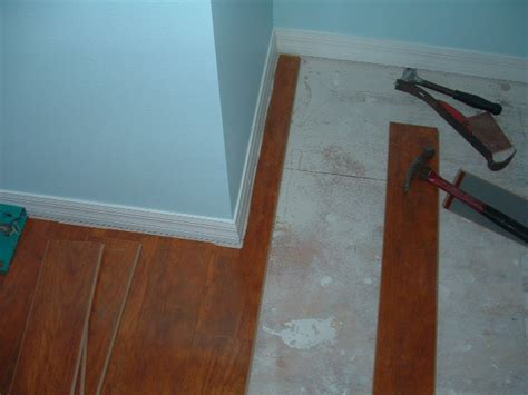 Laminate Flooring: Cutting Laminate Flooring With A Table Saw