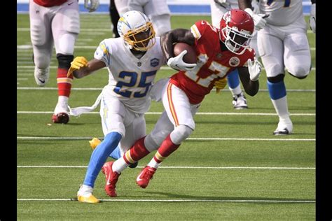 Chargers place CB Harris (foot) on injured reserve