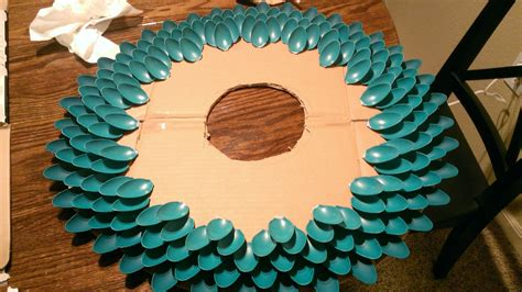 I love making recycled diy projects! DIY Chrysanthemum Spoon Mirror