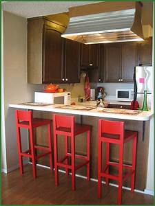 Modern kitchen designs for very small spaces yirrma for Kitchen design for small areas