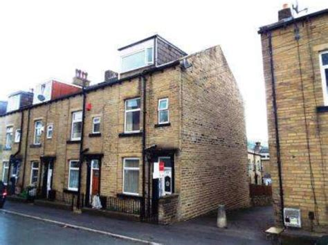 Tennyson Street Halifax 3 bedroom End of Terrace for sale HX3