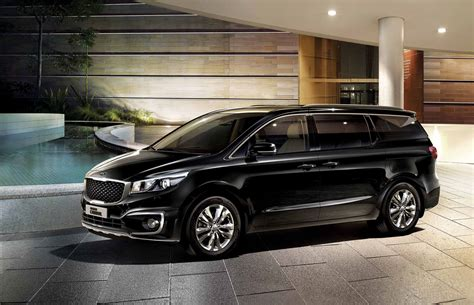kia grand carnival  prices  pakistan pictures