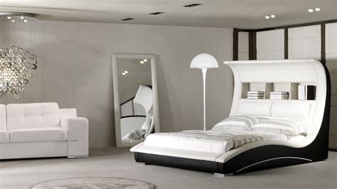 chambre baroque noir et blanc great chambre noir et blanc design le lit design rangement