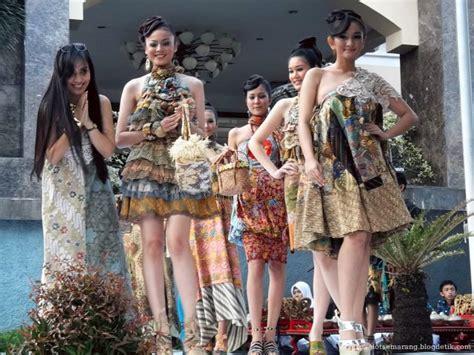 semarang batik fashion   street