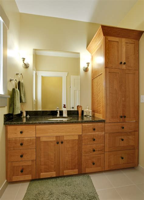 Bathroom Cabinets Ideas Designs by Linen Cabinet Mode San Francisco Traditional