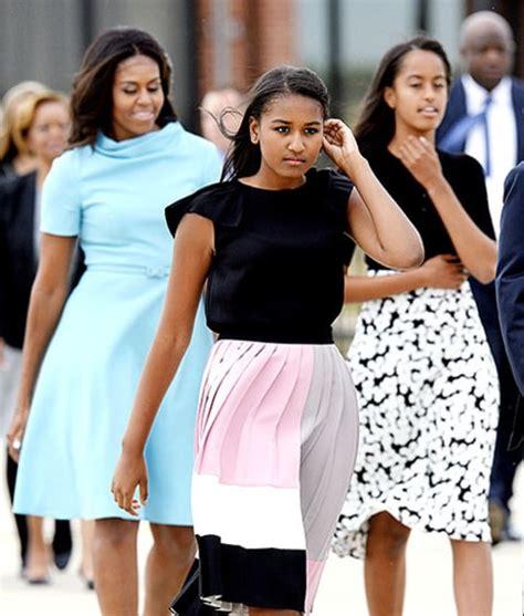 Michelle Obama, Sasha, Malia Wear Ladylike Dresses To Meet
