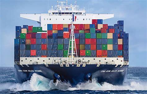 porte conteneur jules verne cma cgm c 233 l 232 bre ses 35 ans avec l inauguration du jules verne mer et marine